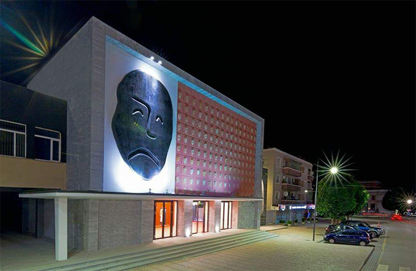 Eroeffnung_Theater